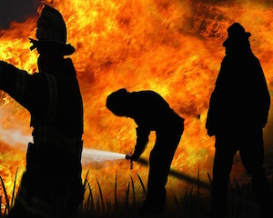 fire-fighter-278012_640