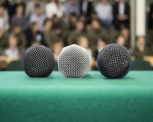 microphone-464133_640